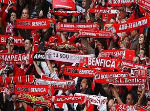 Benfica vence na Pedreira e recupera liderança do campeonato