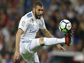 Lineker `pica´ Zidane: «Ainda bem que pensa que Benzema é o melhor»