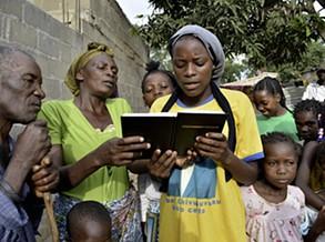 Primeira parcela da Bíblia na língua nacional Nyaneka com três mil exemplares disponíveis