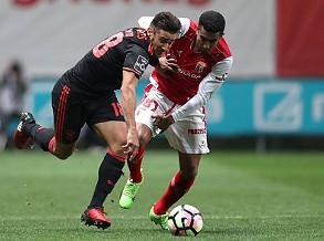 Benfica dançou pela noite fora e 'faturou' perto da última chamada