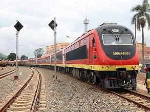 Comboios param em Luanda para funcionários votarem
