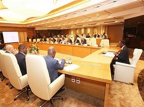 CNVOT avalia estudo para melhoria do tráfego em Luanda