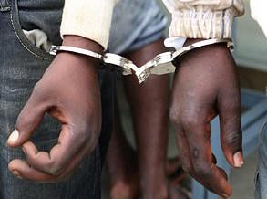 Dois homens detidos por suposta violação de adolescente no Lubango