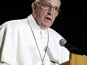 Papa critica a cultura social que dá primazia ao dinheiro