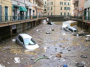 Autoridades em contra-relógio para dar resposta aos estragos em Génova