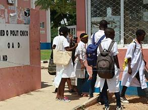 Professores angolanos regressam hoje à greve com paralisação até 05 de maio