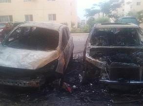 Duas viaturas topo de gama devoradas pelas chamas, há suspeitas de fogo posto