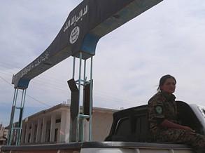 Forças apoiadas pelos EUA retomam aeroporto militar na Síria