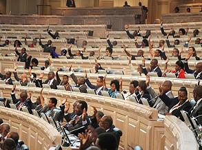 Orçamento Geral do Estado é votado na globalidade esta sexta-feira