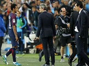 «Atiraram-me de tudo, isto não é futebol…» - Neymar