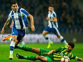Dragões goleiam Tondela por 4-0