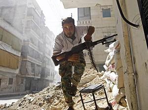 Rebelde sírio em ataque