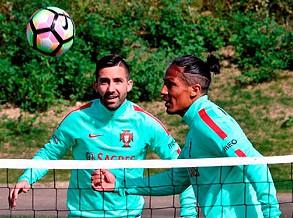 Selecção portuguesa de futebol faz experiências no particular com a Suécia