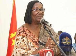 Ministra garante reforço das políticas de integração social