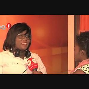 Angolana camerawoman