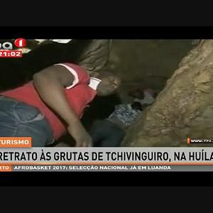 "Turismo ""Grutas de Tchivinguiro"", Huíla - Angola"