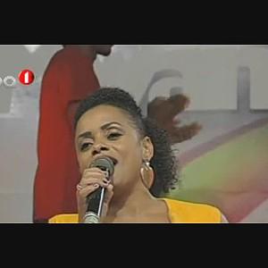 Dj Ely Chuva no Concurso das Figuras - Domingo a Mwangolé