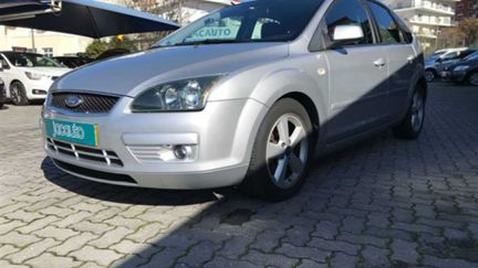 Ford Focus 1.6 TDCi Connection (90cv) (5p)