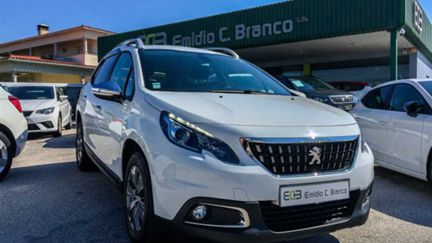 Peugeot 2008 1.2 PURE TECH STYLE