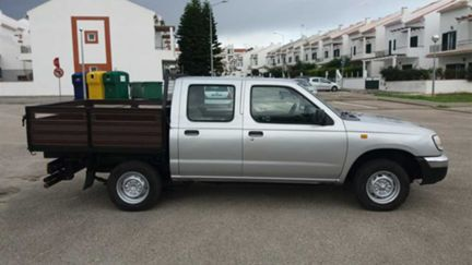 Nissan Pick-Up 2.5 D CD (83cv) (4p)
