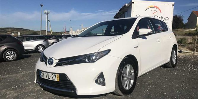Toyota Auris 1.8 HSD HYBRID BUSINESS C/ GPS