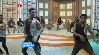 Grupo de Danc?a Afrokina no Janela Aberta