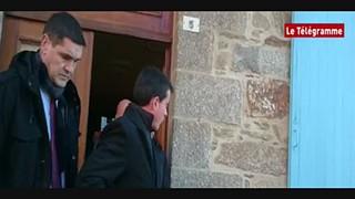 Ex-primeiro-ministro francês agredido à estalada durante a campanha eleitoral...