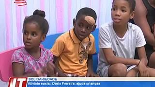 Ativista social, Dóris Ferreira, ajuda crianças do Hospital Agostinho Neto