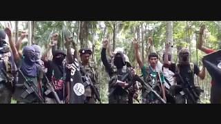 Daesh ameaça Vaticano e rasga fotografia do papa Francisco (em novo vídeo)
