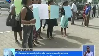 Professores excluidos de concurso dizem-se enganados pelo Ministério de Educação