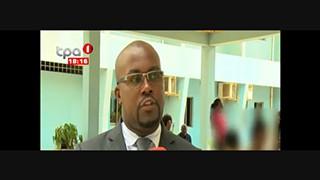 Crime em Luanda - SIC apreende nos mercados mais de 30 mil livros de venda proi?