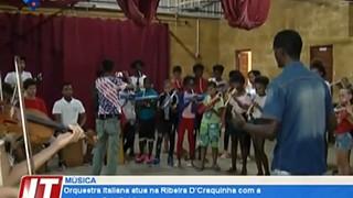 Orquesta Italiana atua na Ribeira D'Craquinha com a orquesta Sab Sabim