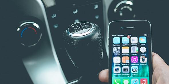 tek smartphone carro