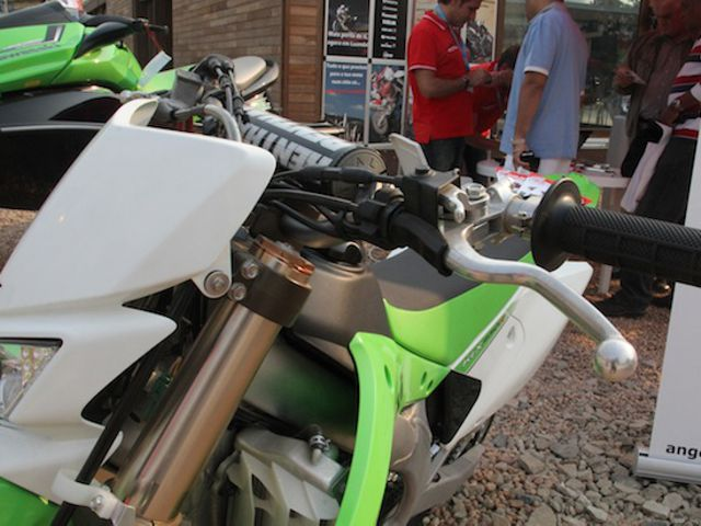Sobre as rodas da Kawasaki