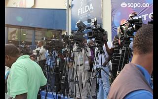 A imprensa pronta para carregar no play