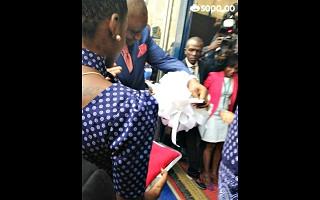 Governador de Luanda corta a fita da FILDA2013