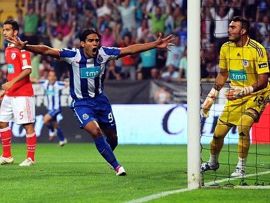FC Porto inicia 2010/11 a conquistar Supertaça
