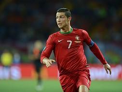 """Ronaldo faz """"Checo-mate"""" até às meias"""