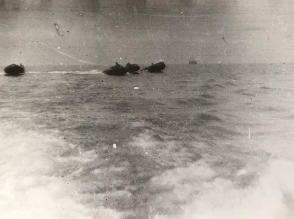 Operação Mar Verde - Botes Zebro, usados pelos fuzileiros, dirigem-se para a República da Guiné