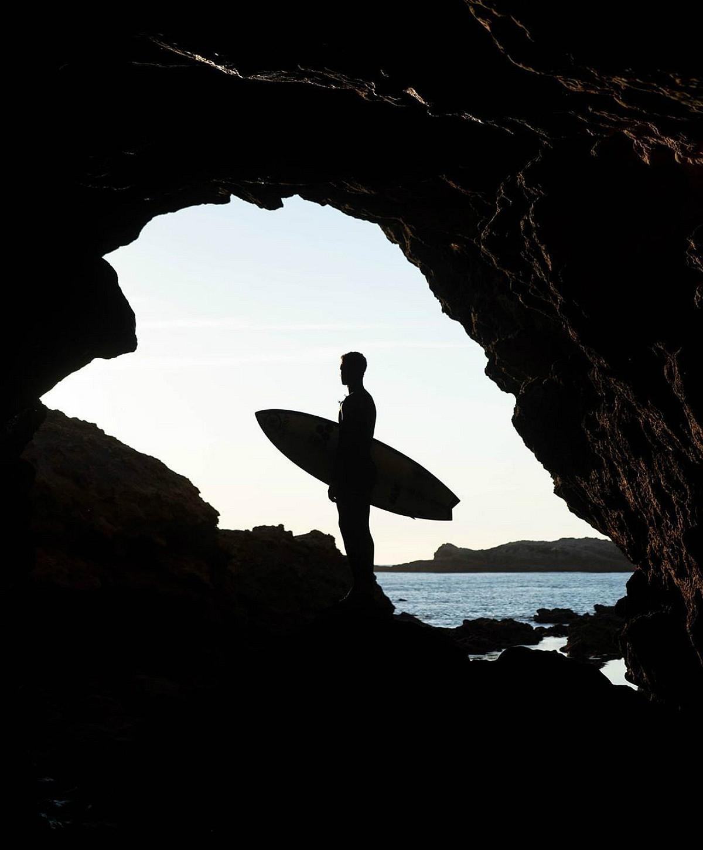 A marca de fatos de surfe mais usada em Portugal reinventa-se e reposiciona-se
