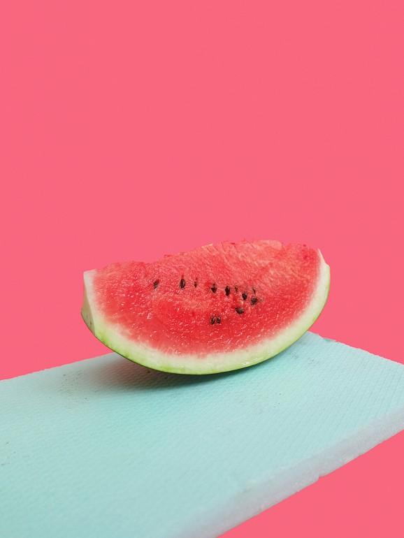 As temperaturas estão a aumentar. Que alimentos ajudam a manter a hidratação?