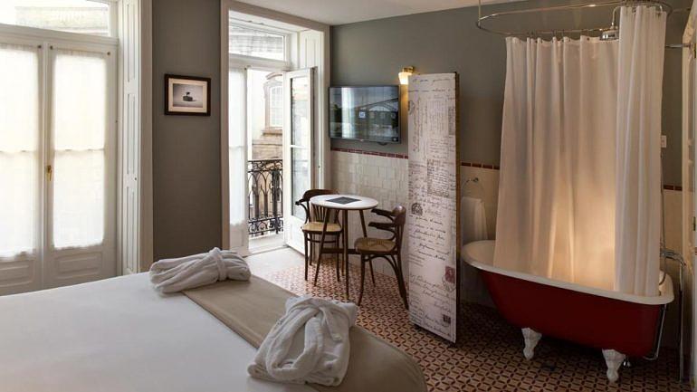As banheiras clássicas são uma das características deste hotel, no Porto