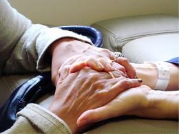Ministra defende que Portugal é referência na OMS nos cuidados paliativos