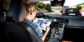 """Serviços de """"táxis autónomos"""" testados na Califórnia"""