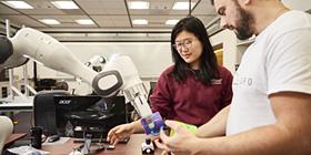 Stanford vai levar inteligência artificial à faculdade para que esta possa refletir sobre a humanidade