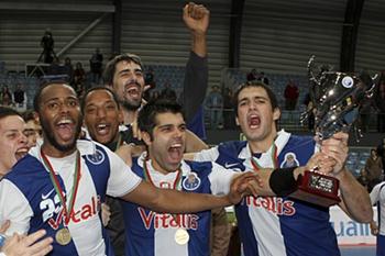 Supertaça: Belenenses 28-29 FC Porto