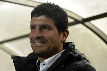 APOEL contrata Pedro Emanuel