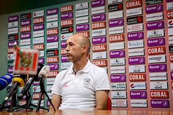Antigo adjunto de Paulo Bento na seleção nacional numa conferência de imprensa do Marítimo.