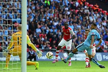 Arsenal goleia Manchester City e vence Community Shield