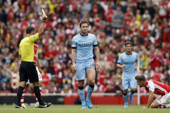 Arsenal e City empatam